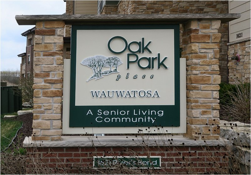 Oak Park Place Wauwatosa – Sign