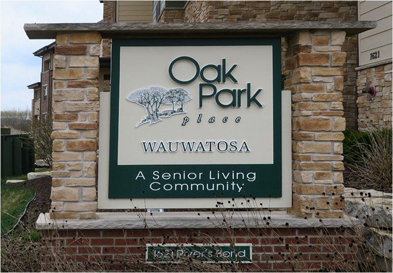 Oak Park Place Wauwatosa – Sign
